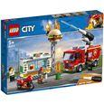 Rescate del incendio en la hamburguesería city fir